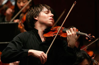 JoshuaBell_02_credit_Chris_Lee