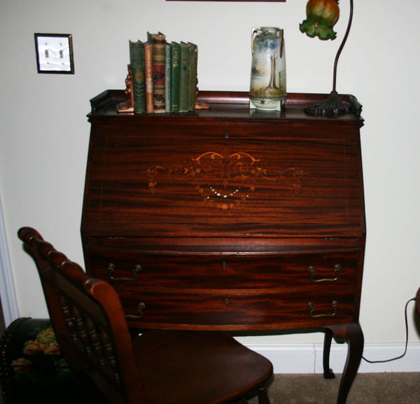 Antique desk 1