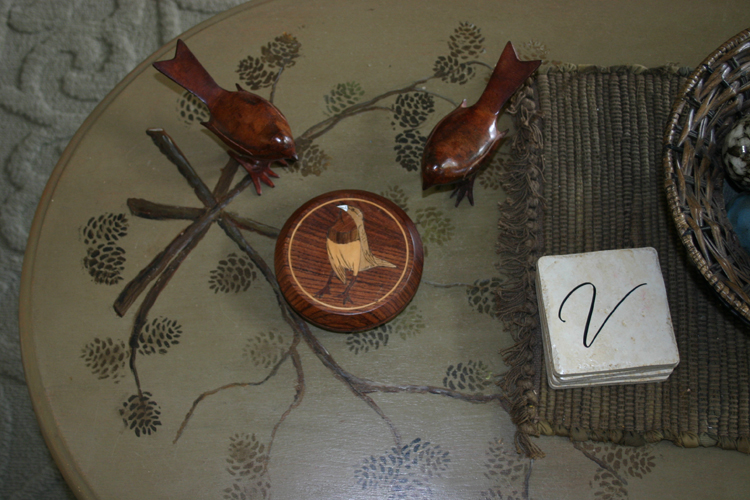 Coffee table bird box