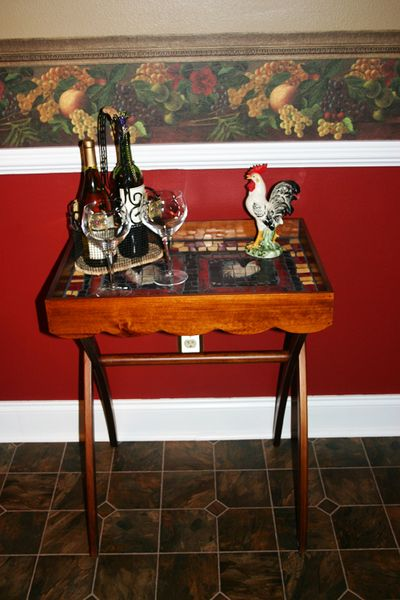 A rooster mosaic tray