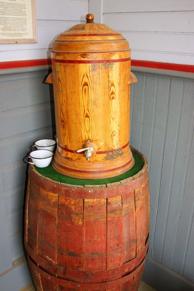 School house water keg for students