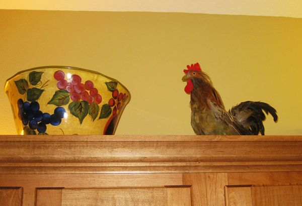 Rooster on cabinet