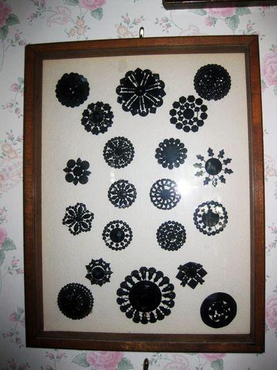 Antique buttons black
