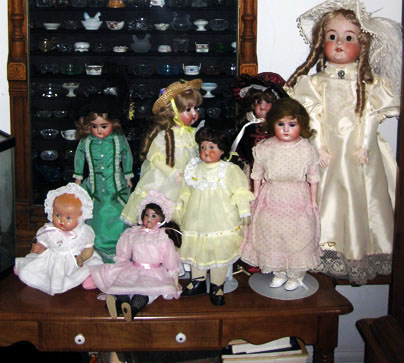 Aunt shirleys dolls with pink etc