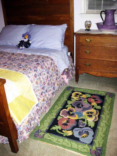 Cottage pansey rug