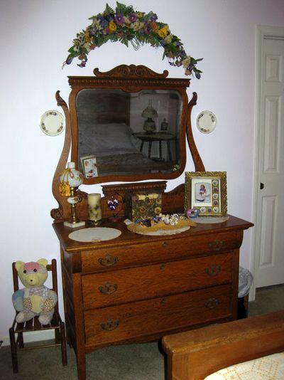 Cottage bedroom dresser