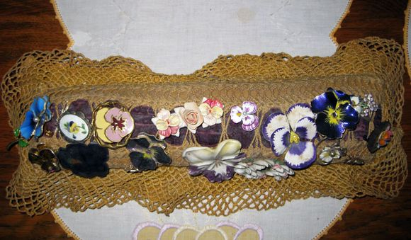 Cottage chrocheted pin cushion