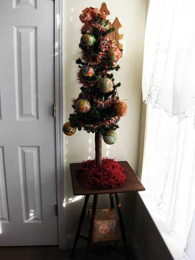 Guest bedroom tree