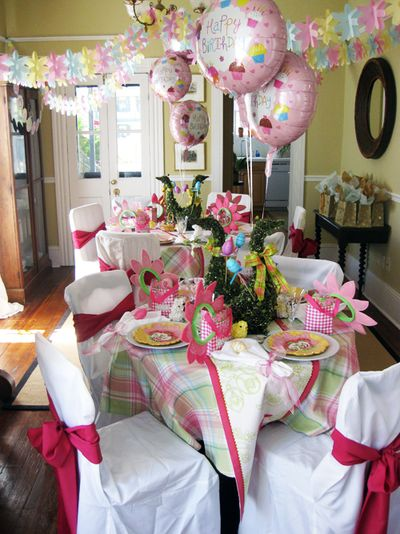 Pink party tables