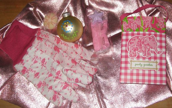 Pink favors at Claudie's party