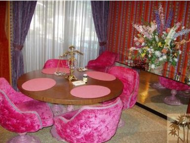 1965-palm-springs-time-capsule-hot-pink-chairs