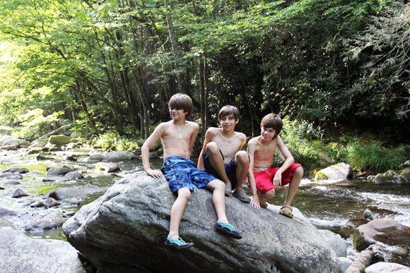 Elkmont cousins boys