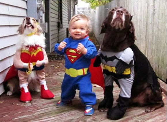 KID & 2 DOGS COSTUMES     10-29-2010 9-46-32 PM