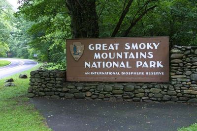 1-3141_Smoky_Mountains_National_Park_Sign