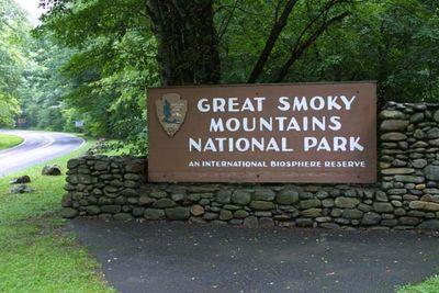 1-3141_Smoky_Mountains_National_Park_Sign