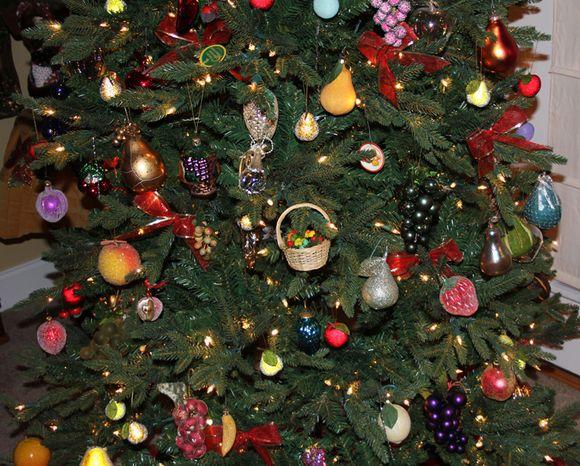 Christmas tree closeup 2