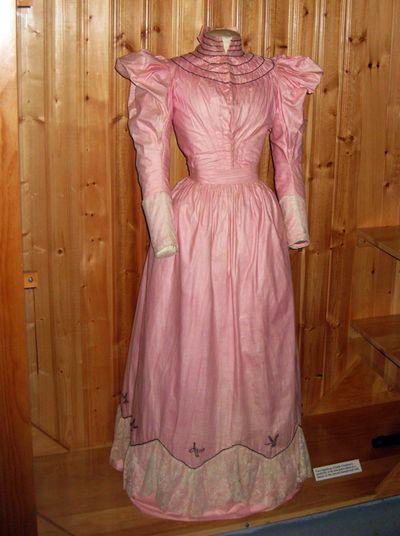 Pink vintage vict dress