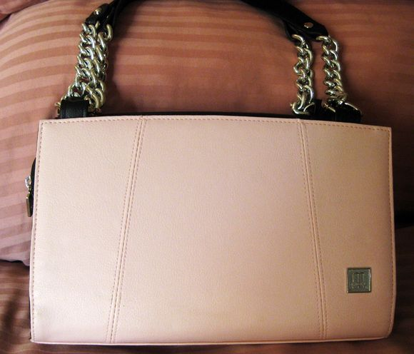 Gifts Canada pink purse 1