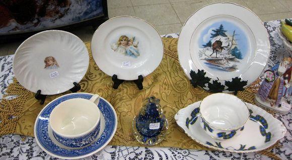 Blue plates vintage