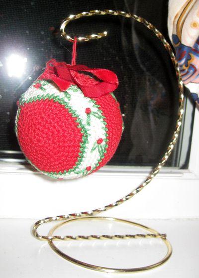 Xmas ball knitted