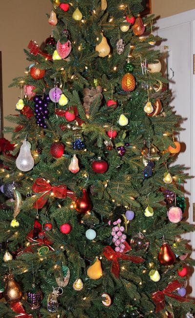 Christmas tree close up 1