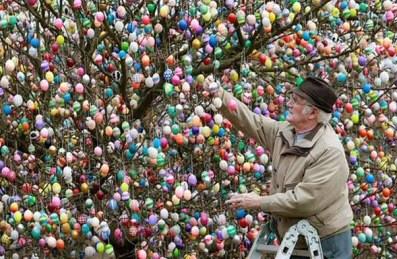 Easter_egg_man