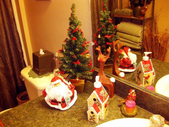 Christmas bath santa