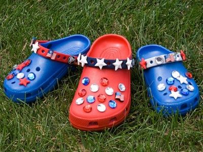 4th-of-July-Crocs-459x344