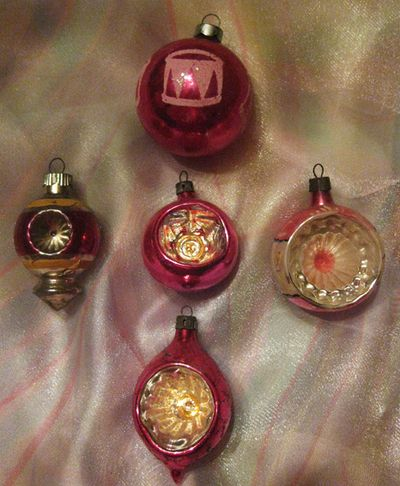 Vintage  moms ornaments pink