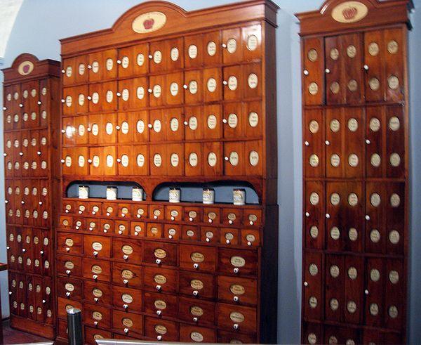 Pharmacy cabinet 4