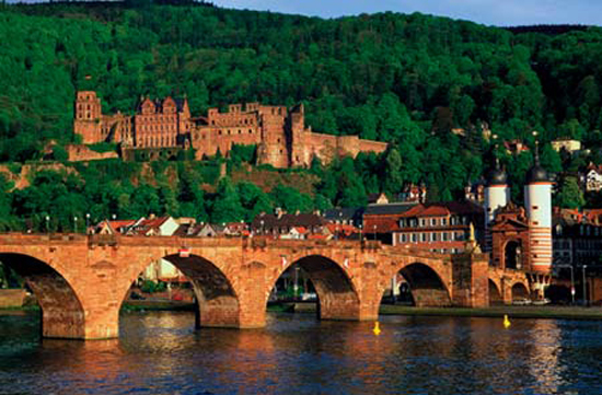 Tourist-Information-Germany-Heidelberg-Castle-is-the-ruins-of-the-famous