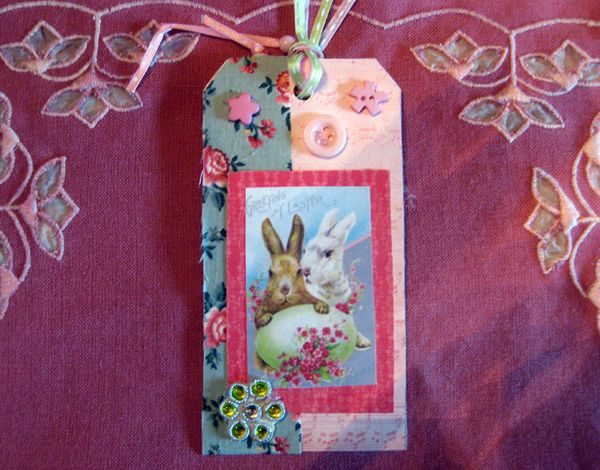 Easter tag bunny with flowers