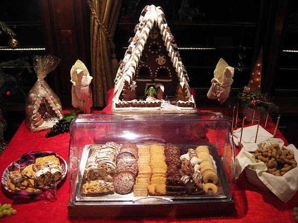 Cruise cookie table