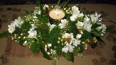 50th anniv flowers centerpiece