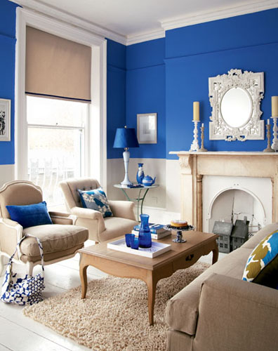 Elegant-white-blue-living-room-decor-with-brown-sofa-set-furniture-ideas