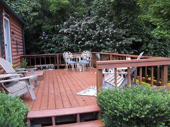 Deck full view of cabin deck