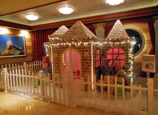Cruise 2 gingerbread house
