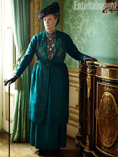 Downton-abbey-maggie-smith3_458