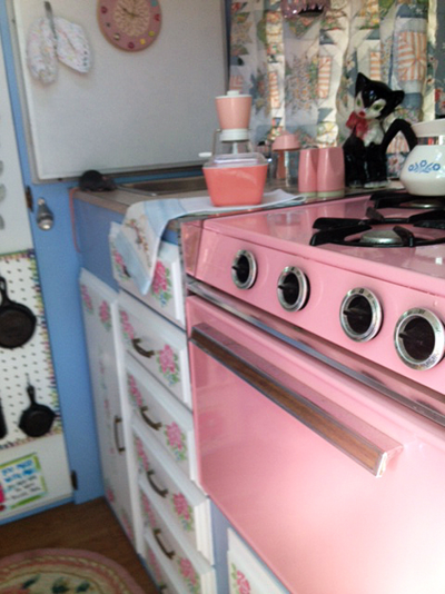 CL stove pink in trailer