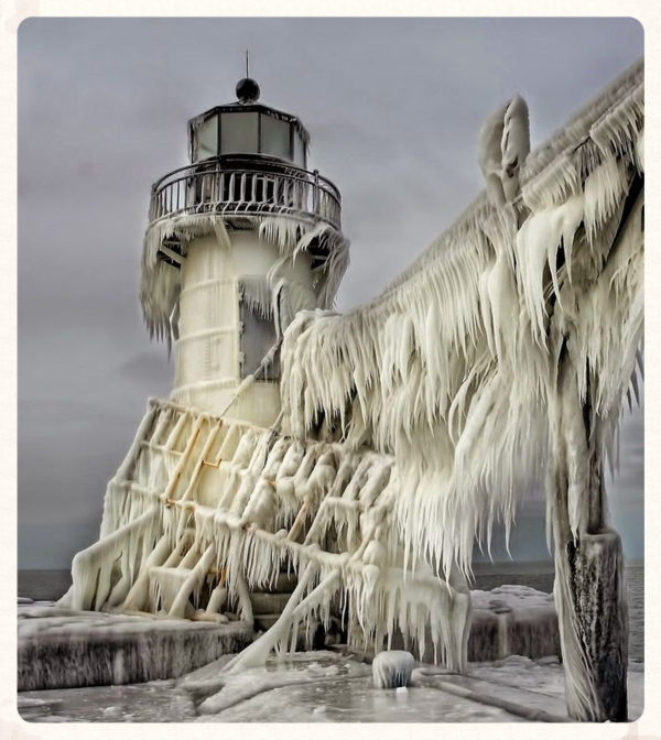 Frozen-ice-Frozen-Lighthouses-Lake-Michigan-Shore+