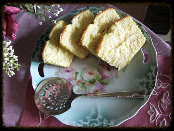 Roses tea cake