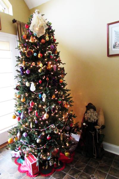 Christmas tree w Santa