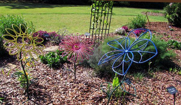 Cal yard art