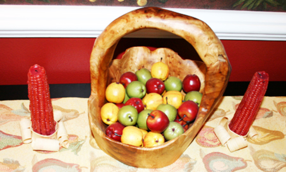 Apples_in_wooden_bowl_fall