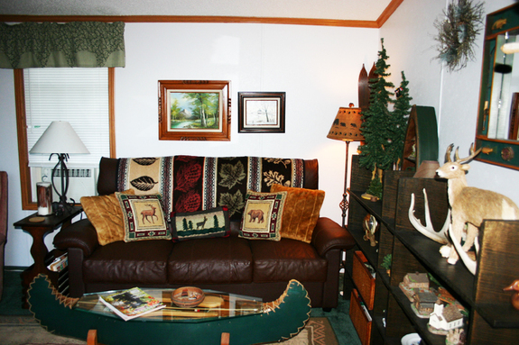 Cabin_living_room_1mg_8755