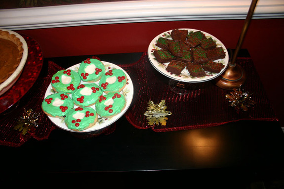 Christmas_cookies_and_fudge_2